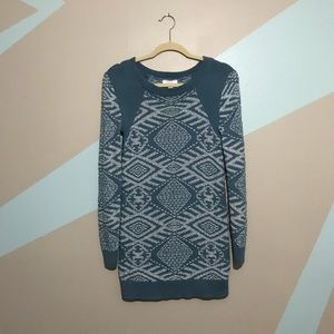 Sun & Shadow Slate Blue & White Crew Neck Sweater